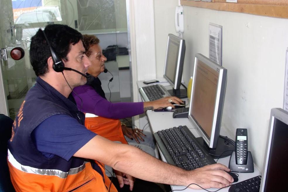RJ: Defesa Civil de Petrópolis, RJ, testa sistema que localiza chamadas para evitar trotes | RJ / Região Serrana | G1