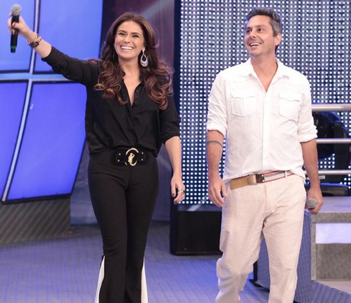 Giovanna Antonelli e Alexandre Nero participaram do 'Divã do Faustão' na época de Salve Jorge (Foto: Gshow)