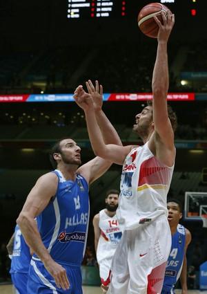 Espanha x Grécia Pau Gasol Koufos Europeu basquete (Foto: EFE)