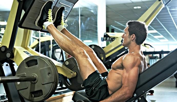 Homem malhando perna euatleta (Foto: Getty Images)