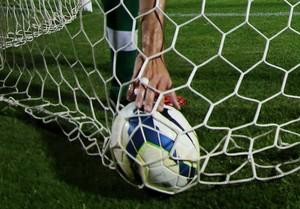 Henrique Meza bola na rede Chapecoense (Foto: Alan Pedro / Getty Images)