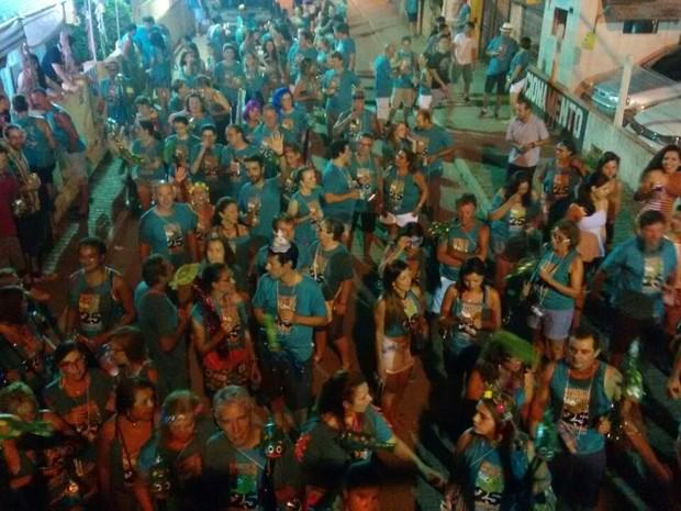 Bloco também desfila na segunda (25) (Foto: Gabriela Machado/RBS TV)