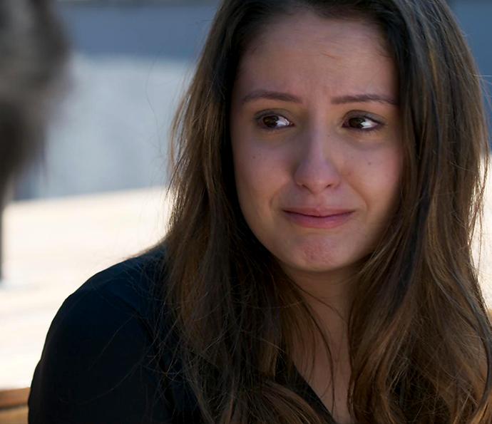 Nanda chora ao se lembrar de Filipe (Foto: TV Globo)