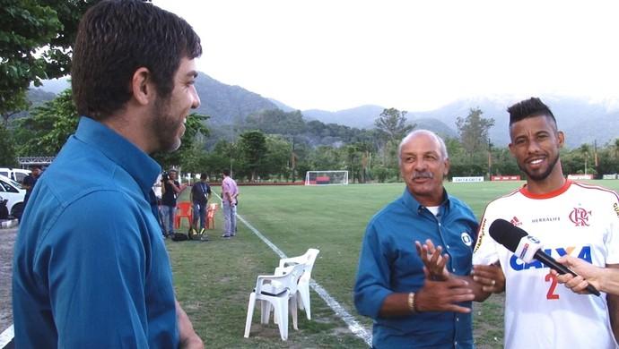 Frame Juninho Pernambucano, Junior e Léo Moura, Flamengo (Foto: Reprodução)