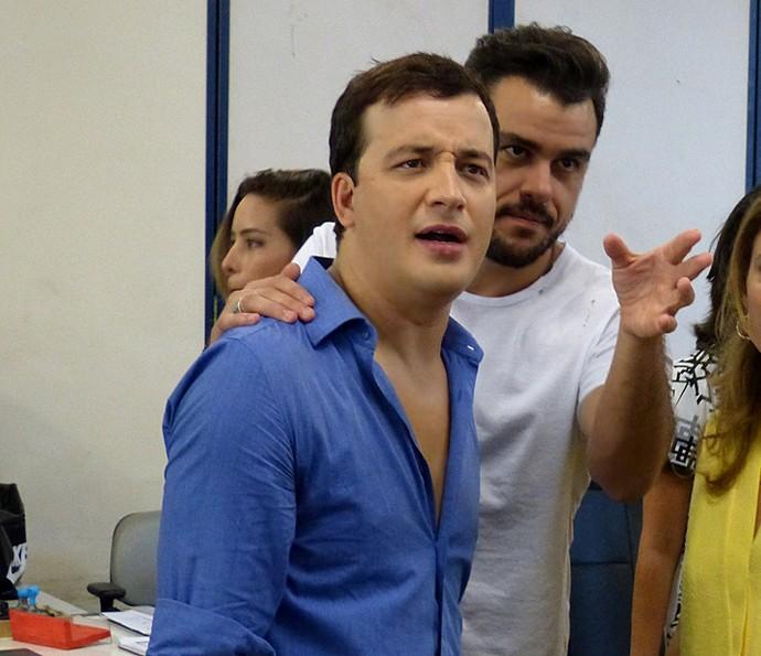 Rafael Cortez visita Estúdios Globo ao lado de Joaquim Lopes (Foto: Cristina Cople / Gshow)