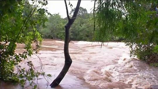 Excesso de chuva deixa três mil desabrigados no Mato Grosso