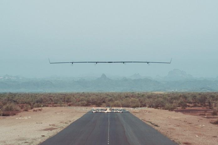 Drone Aquila, do Facebook, tem envergadura de avião comercial (Foto: Divulgação/Facebook)