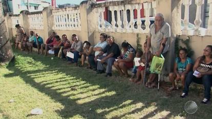 Eleitores reclamam de filas longas para fazer o cadastramento biométrico em Ilhéus