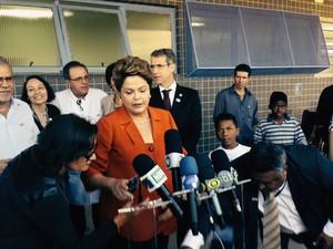 A presidente Dilma Rousseff visita posto de saúde em Guarulhos (Foto: Letícia Macedo / G1)