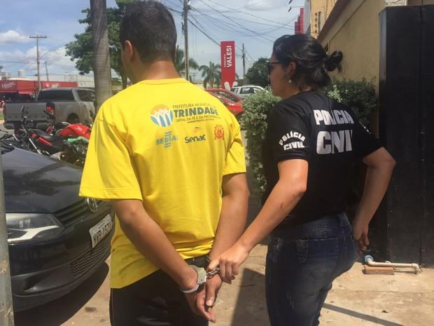 Palhaço é preso suspeito de estuprar criança de 11 anos em Trindade, Goiás (Foto: Murillo Velasco/G1)