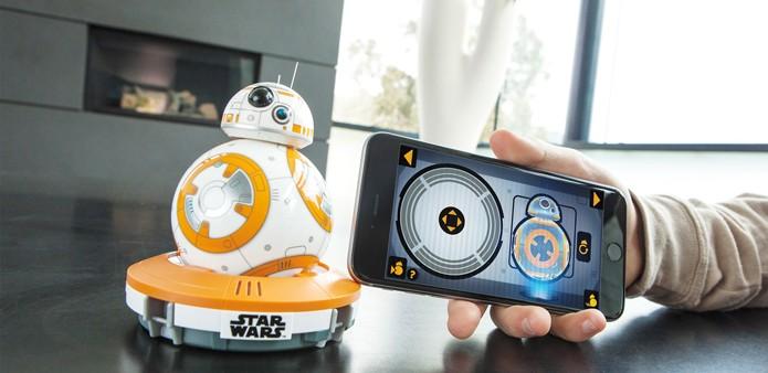 Versão real do BB-8 pode ser controlada através de smartphone ou se mover sozinho (Foto: Reprodução/Sphero)