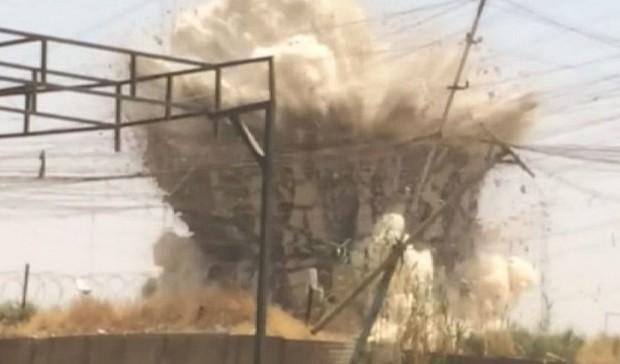 Mesquita xiita em Mosul foi explodida pelo Estado Islâmico (Foto: Reprodução/BBC)