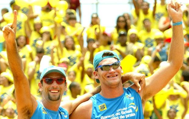 vôlei de praia Márcio e Fábio Luiz 2005 (Foto: Divulgação/FIVB)