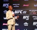 Vídeo: sem adversário no UFC Rio 8, Anderson Silva encara... o vento
