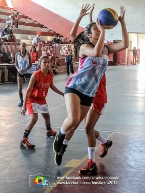 CT Viva Melhor supera Maura Abaurre pela Copa ES feminina de basquete (Foto: Léo Silveira)
