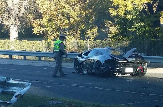 Motorista bateu McLaren P1 perto de Dallas (Foto: Reprodução/ Instagram/Davesplace)