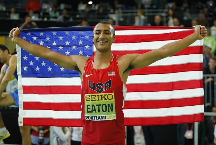 Ashton Eaton conquistou mais um título na carreira. Desta vez, em casa (Foto: Reuters)