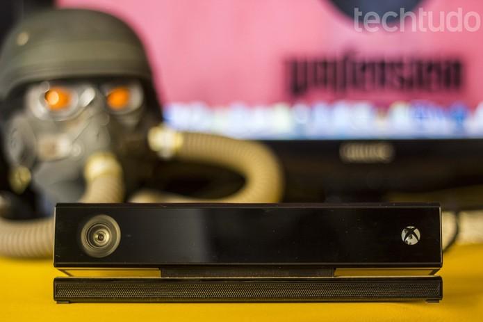 O Kinect é legal, mas não chega a mudar a experiência (Foto: Débora Magri/ TechTudo)