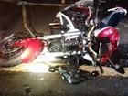 Motociclista morre ao ser atingido por carro durante uma conversão na pista