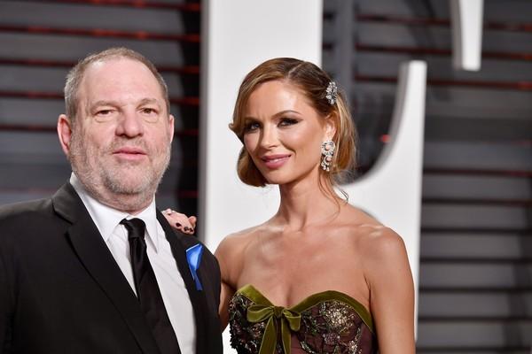 O empresário Harvey Weinstein com sua ex-esposa, a estilista Georgina Chapman (Foto: Getty Images)