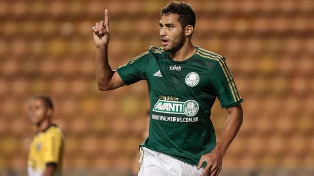 Alan Kardec comemora, Palmeiras x São Bernardo (Foto: Miguel Schincariol/Agência Estado)