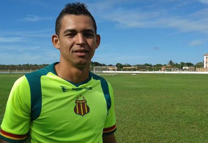 Casagrande quer voltar a balançar as redes com a camisa do Sampaio (Foto: Afonso Diniz/GloboEsporte.com)
