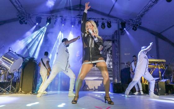 Claudia Leitte fez sucesso com sua participação em festival de música em Milão, na Itália:  (Foto: Divulgação)