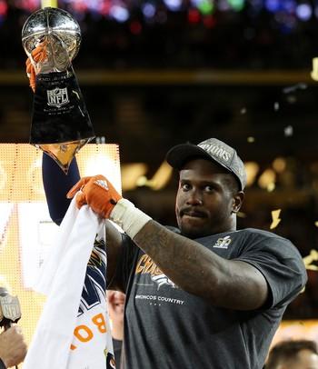 Von Miller será a referência do Denver Broncos após a aposentadoria de Manning (Foto: Getty Images)