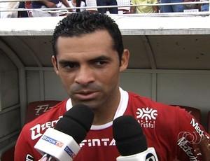 Henrique Dias, atacante do Vila Nova (Foto: Reprodução/TV Anhanguera)