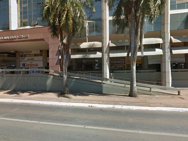 Prédio onde funciona 'sede' do salão de beleza (Foto: Google/Reprodução)