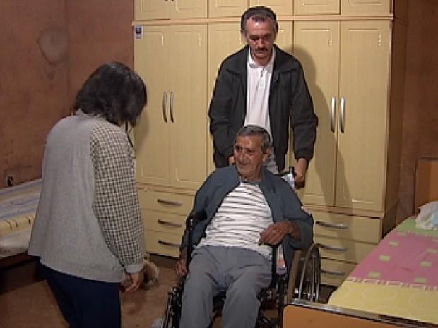 Curso em Rio Preto ensina como cuidar melhor dos idosos (Foto: Reprodução / TV Tem)