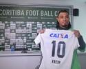 """Kazim herda a 10 de Alex no Coritiba e conta ter pedido """"bênção"""" ao ex-meia"""