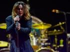 Kelly Osbourne acusa nova namorada de Ozzy de 'abuso de idosos'