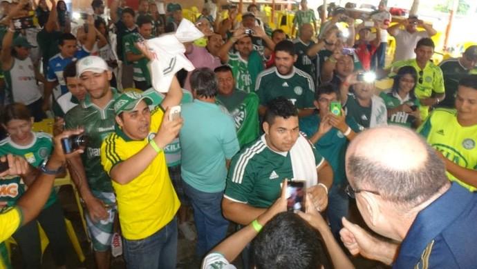 Brunoro se encontra com torcedores da Associação Porto Palestra (Foto: APP/Divulgação)