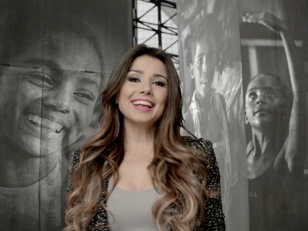 Paula Fernandes: Campanha Criança Esperança entra em ritmo de Sertanejo (Foto: Reprodução de TV)
