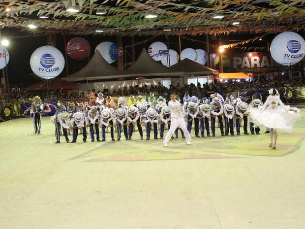 Quadrilha Mexe-Mais participa pela primeira vez da Cidade Junina (Foto: Wenner Tito)