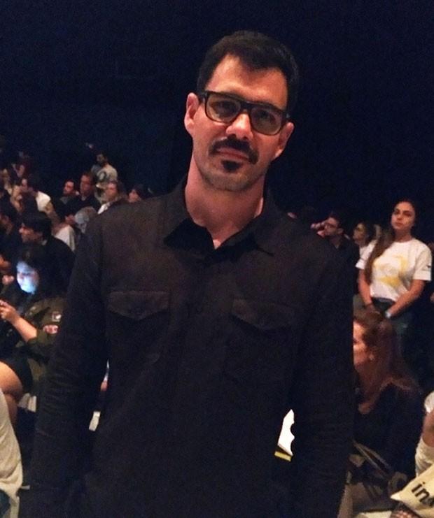 Juliano Cazarré no SPFW (Foto: Vinícius Guidini)