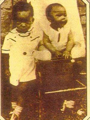 Pelé com seu irmão, Zoca (Foto: Arquivo Pessoal)
