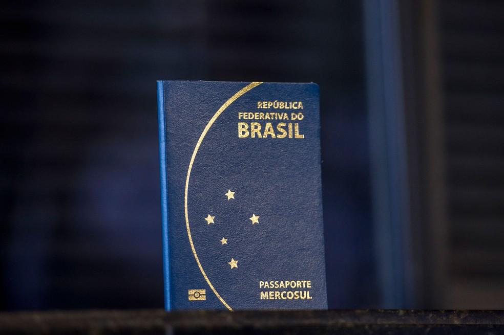 O passaporte brasileiro (Foto: Marcelo Camargo/Agência Brasil)