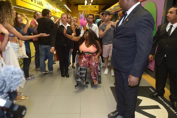 Jojo Todynho circulando por São Paulo (Foto: Francisco Cepeda/AgNews)
