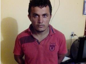 Antonilson dos Santos Pereira foi preso suspeito de assaltar agência bancária em Aliança do Tocantins (Foto: Divulgação/PM TO)