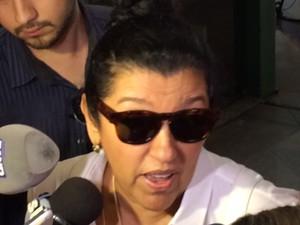 Regina Casé no velório de Marília Pêra (Foto: Cristina Boeckel/G1)
