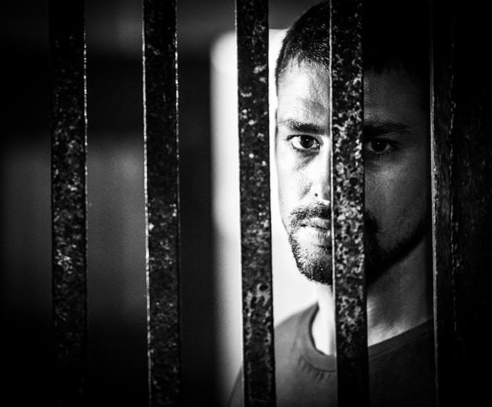 Juliano foi preso por um crime que não cometeu (Foto: João Miguel Júnior/Globo)