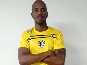 Jogador Luiz Paulo faz parte do elenco do Rio Branco (Foto: Assessoria de Imprensa / Rio Branco)