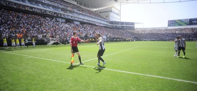 Corinthians x Santos David Braz (Foto: Marcos Ribolli)