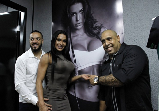 Belo, Gracyanne Barbosa e Xande Negão (Foto: Marcos Ferreira/Brazil News)