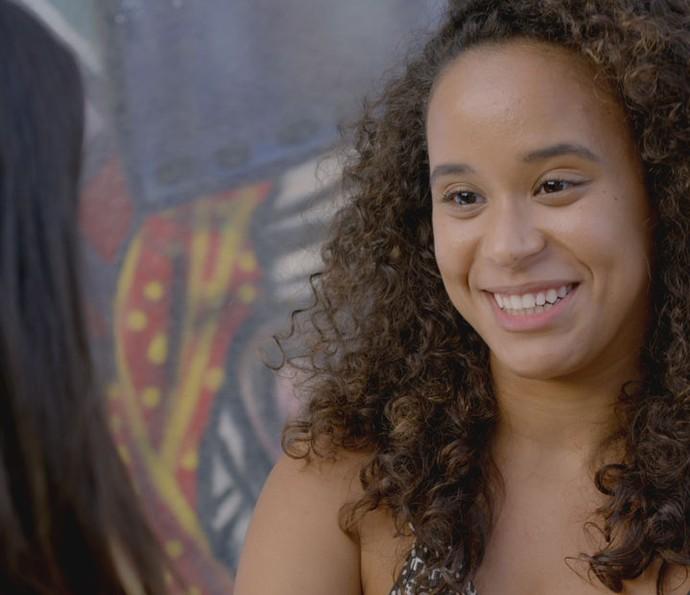 Vera decide ajudar Lívia (Foto: TV Globo)
