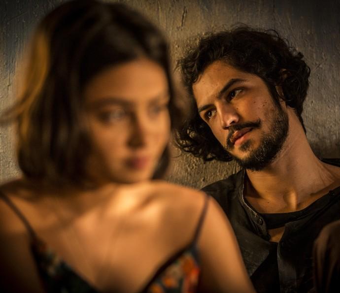 Miguel e Olívia estão sofrendo muito  (Foto: Inácio Moraes/Gshow)