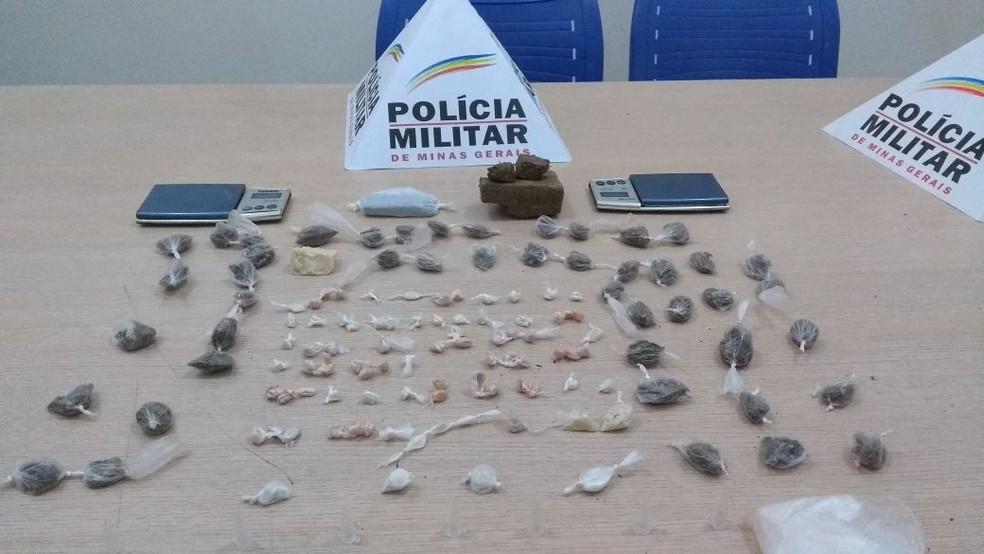 PM apreende crack e maconha (Foto: Polícia Militar/ Divulgação)