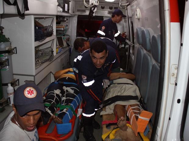 Acidente com ônibus mata uma pessoa e fere mais de 20 em Itamaraju, na Bahia (Foto: Danuse Luiza/Itamaraju Notícias)